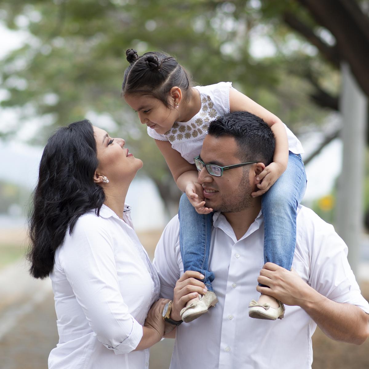 2 Niños y familia